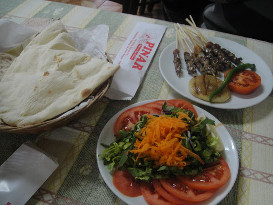 Pinar Pide & Pizza Salonu: lamb kebabs with oven fresh bread