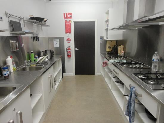 Barossa Backpackers' kitchen