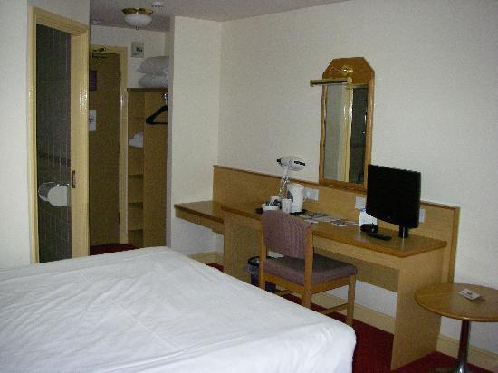 Tewkesbury Days Inn (Strensham): Standard bedroom