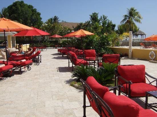 Ocean Two Resort & Residences: Pool Terrace Area