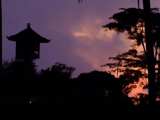Villa Orchid Bali: Sonnenuntergang in der Villa Orchid