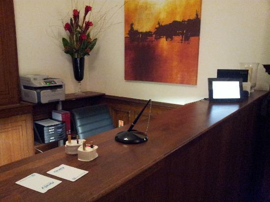 The Cleveland: Reception desk