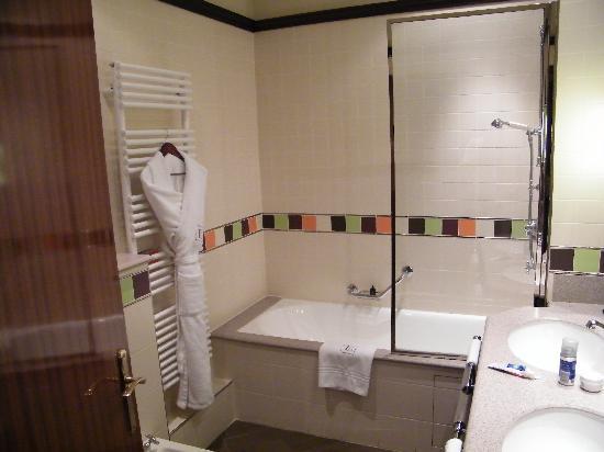 Hotel Edouard 7: Baño