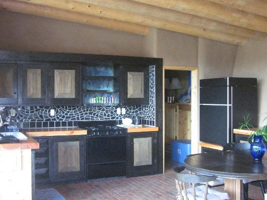 Earthship Biotecture: The kitchen