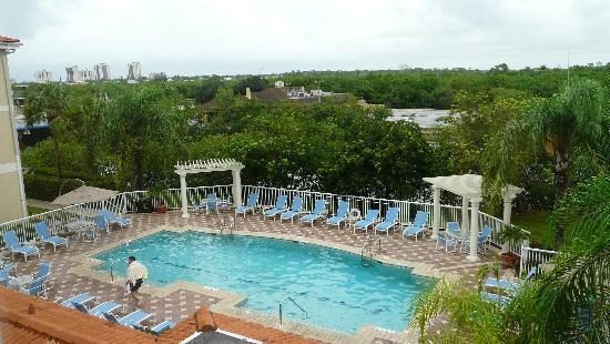 Doubletree Suites by Hilton Naples: vista della piscina dalla camera
