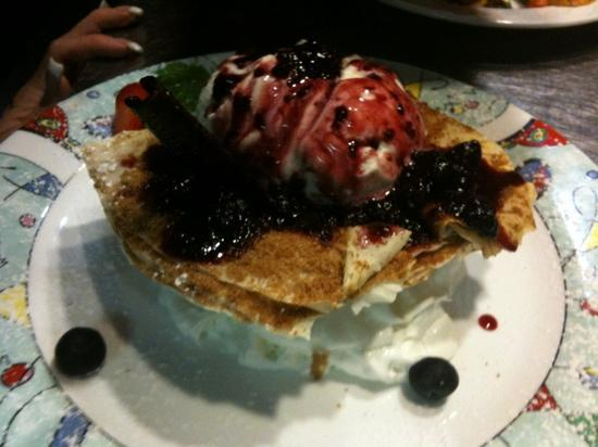 Brio Tuscany Grille : berry basket ! nice..