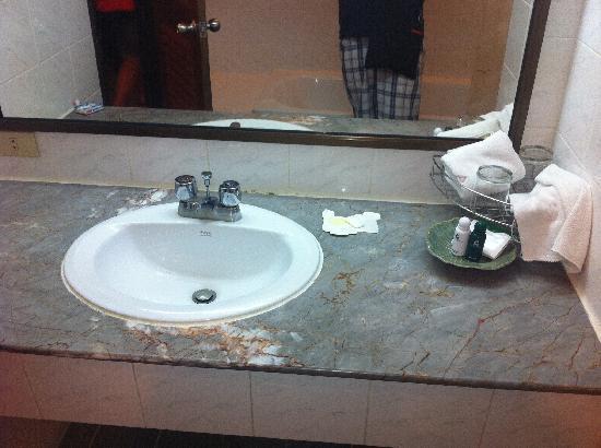 Patong Lodge Hotel: lavabo