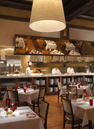 Terra Rossa Italian Cuisine at Red Rock Casino Resort & Spa: Terra Rosa Dining Room