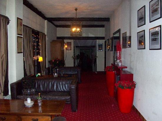 Hotel Moselblick: Small bar/ lobby area