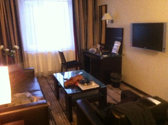 Best Western Premier Hotel International: Living room