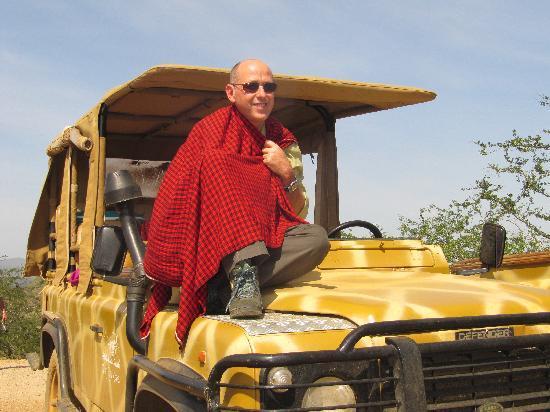 Campi ya Kanzi: ..sulla jeep giraffata