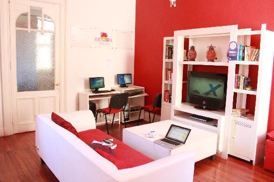 Terrazas Estoril: tv room
