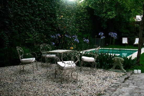 L'Hotel Palermo: The Secret Garden + Pool
