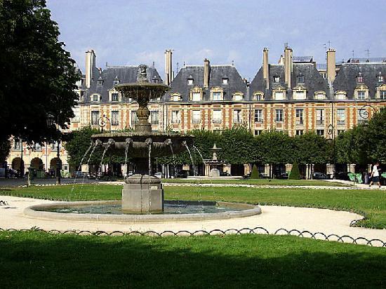 París, Francia: Llena de galerías de arte