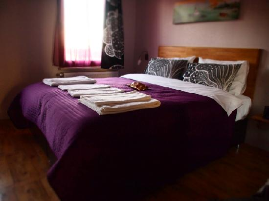 Violet Suite: A remarkable sleeping experience - especially for the picky one!