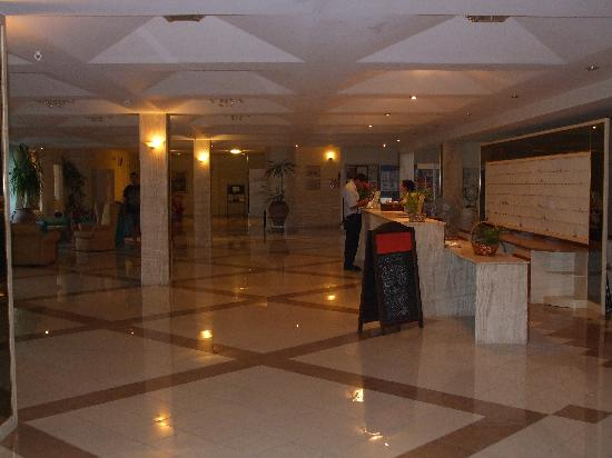 Continental Palace: the hotel reception
