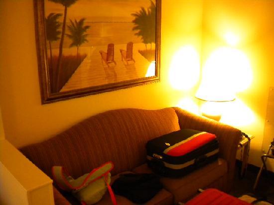 Comfort Suites Miami / Kendall: Quarto Sofá