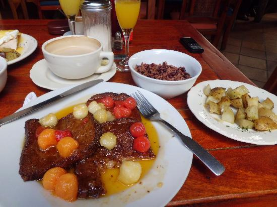 Barrio Cafe: Brunch - French Toast with Carmelized Fruit