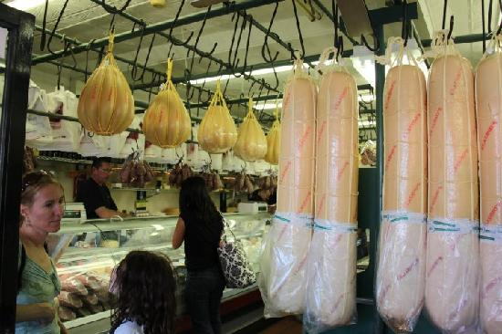 Sarcone's Deli: Claudio's n 9th street..best Cheese in Philly