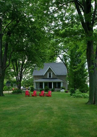 Pelee Island, Canadá: Front of the B&B