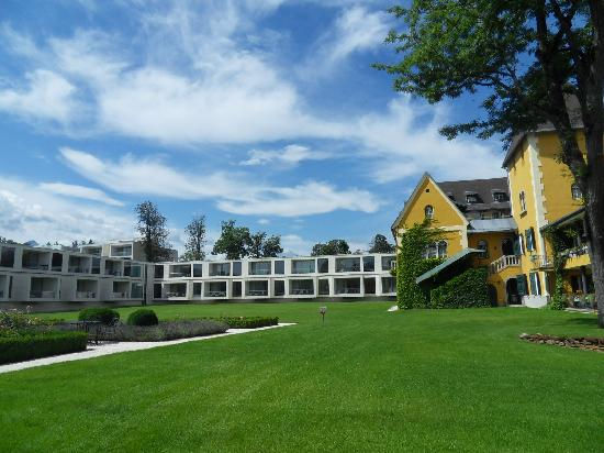 Falkensteiner Schlosshotel Velden: The ancient and the modern part of the Hotel