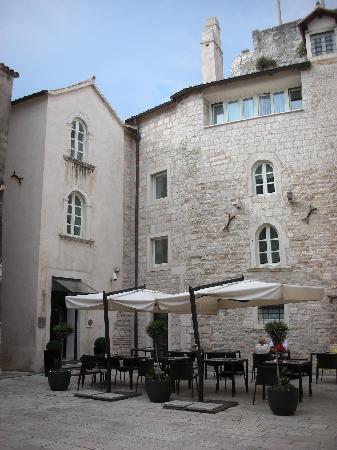Hotel Vestibul Palace: Hotel entrance
