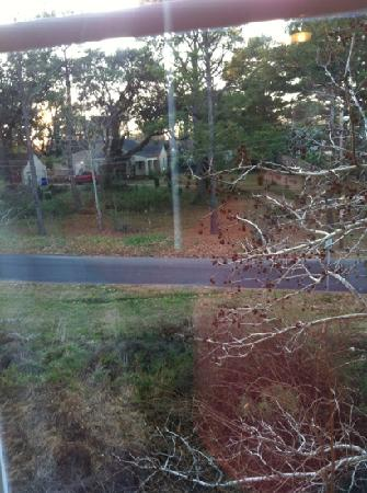 La Quinta Inn & Suites Norfolk Airport: view from window. quiet residential street