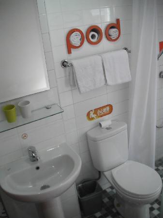 Pod Inn (Shanghai North Bund): Bad & WC