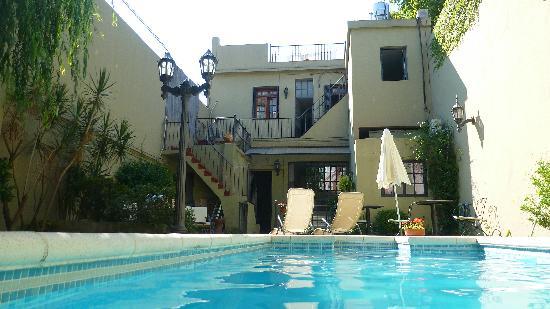 Kala Petit Hotel: Vista da piscina