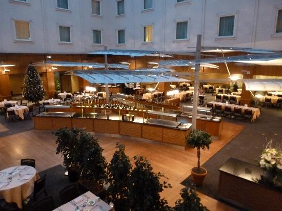 Holiday Inn Gent Expo: The restaurant/bar area