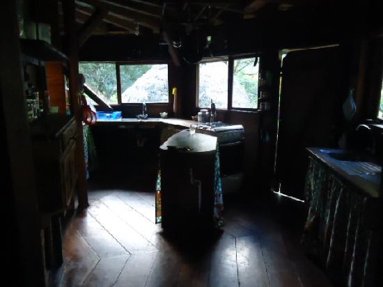 El Otro Lado: The kitchen