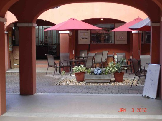 Namaste Cafe : Courtyard seating