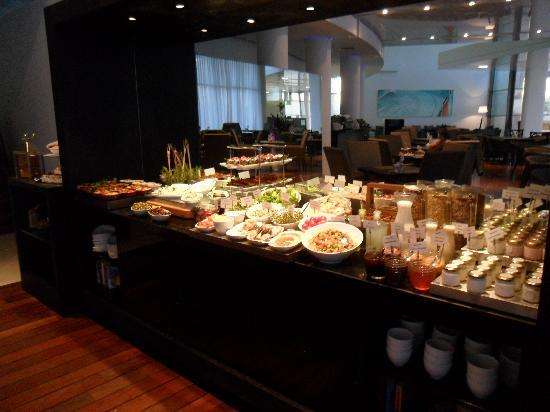 West Boutique Hotel Tel Aviv: Breakfast bar, with heaps, eg smoked salmon
