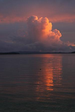 Charapoana Island, Solomon Islands: Sunset