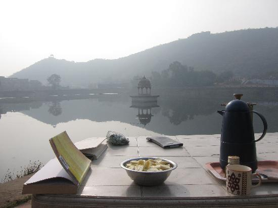 Lake View Paying Guest House: Breakfast spot at Lake View Guesthouse and restaurant