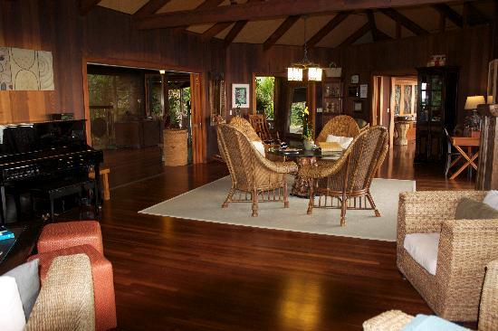 Holualoa Inn: The living area
