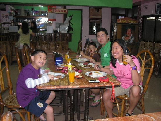 Lola Itang Pension House and Restaurant: breakfast at the pension