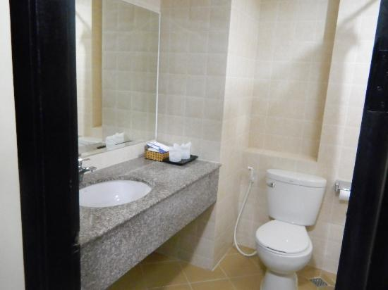 Salita Hotel: bathroom