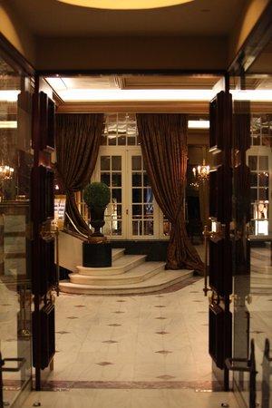 Vardis: a five star hotel