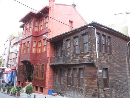 Anatolia Suites: Desde la esquina