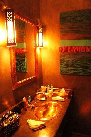 Riad Capaldi: Il bagno della stanza Cinnamon