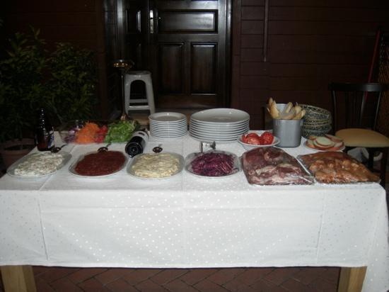 Blue Cafe & Restaurant: ready for a BBQ evening