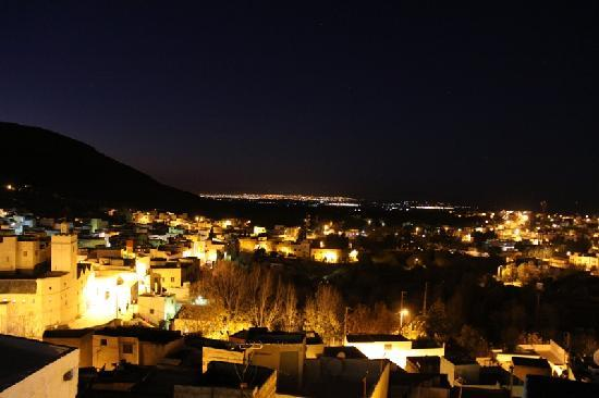Dar KamalChaoui: バルコニーからの夜景(バハリル村からフェズを望む)