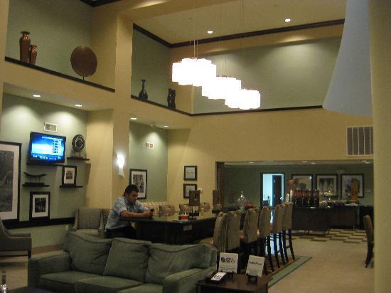 Hampton Inn & Suites Liberal : Breakfast room, view 2