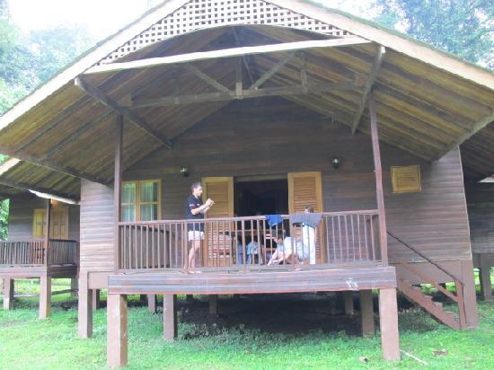 Danum Valley Field Center : family bungalow