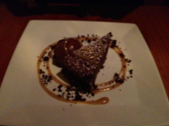 Dante's Kitchen: Sesame Chocolate cake - really delicious and different