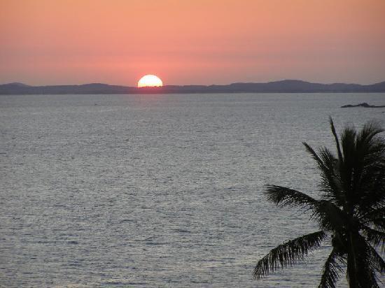 SALVADOR SUN SET