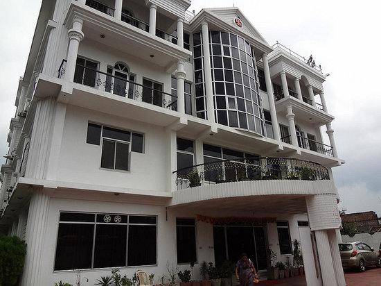 Hotel Manaki International