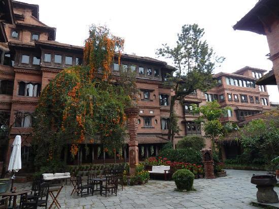 Dwarika's Hotel: Cortile interno