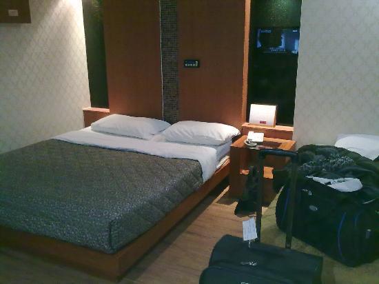 โรงแรมอินชอนแอร์พอร์ต จูเน่: Twin with 1 Double and 1 Single bed
